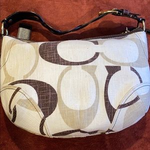 Pre-owed Hobo Coach Signature Large purse